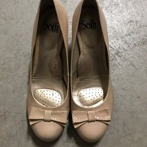 Adorable pair of nude Shoes by SoFT super comfy!